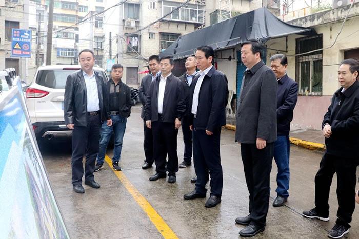 赵俊民调研中心城市棚户区和老旧小区改造工作