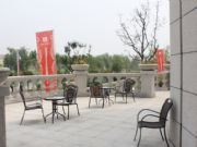亚龙湾东湖美术馆后门