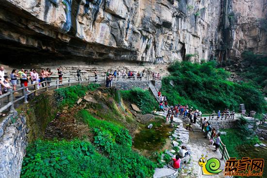 万仙山景区位于河南省辉县市西北部太行山腹地,隶属于新乡南太行旅游