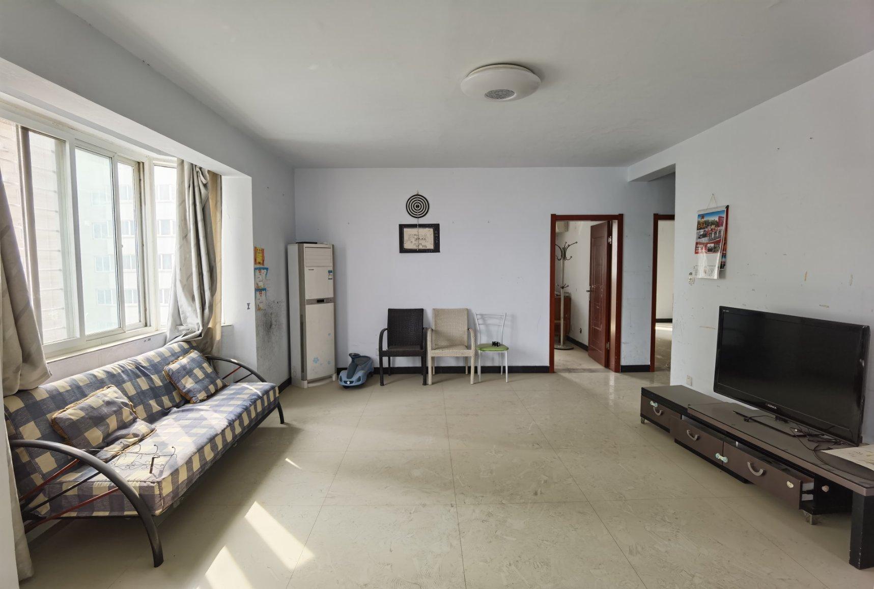 各自付税,看房方便,房主急售东郡府苑精装3室2厅1卫2阳台