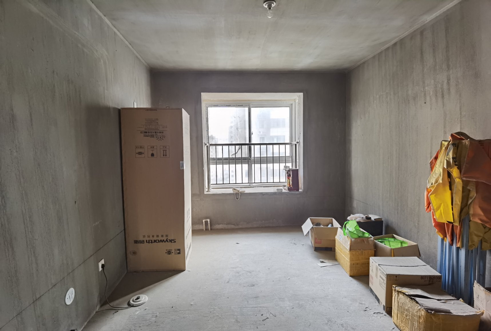 大连万达 牧野花园中层 毛坯3室2厅2卫 143平 全款可谈