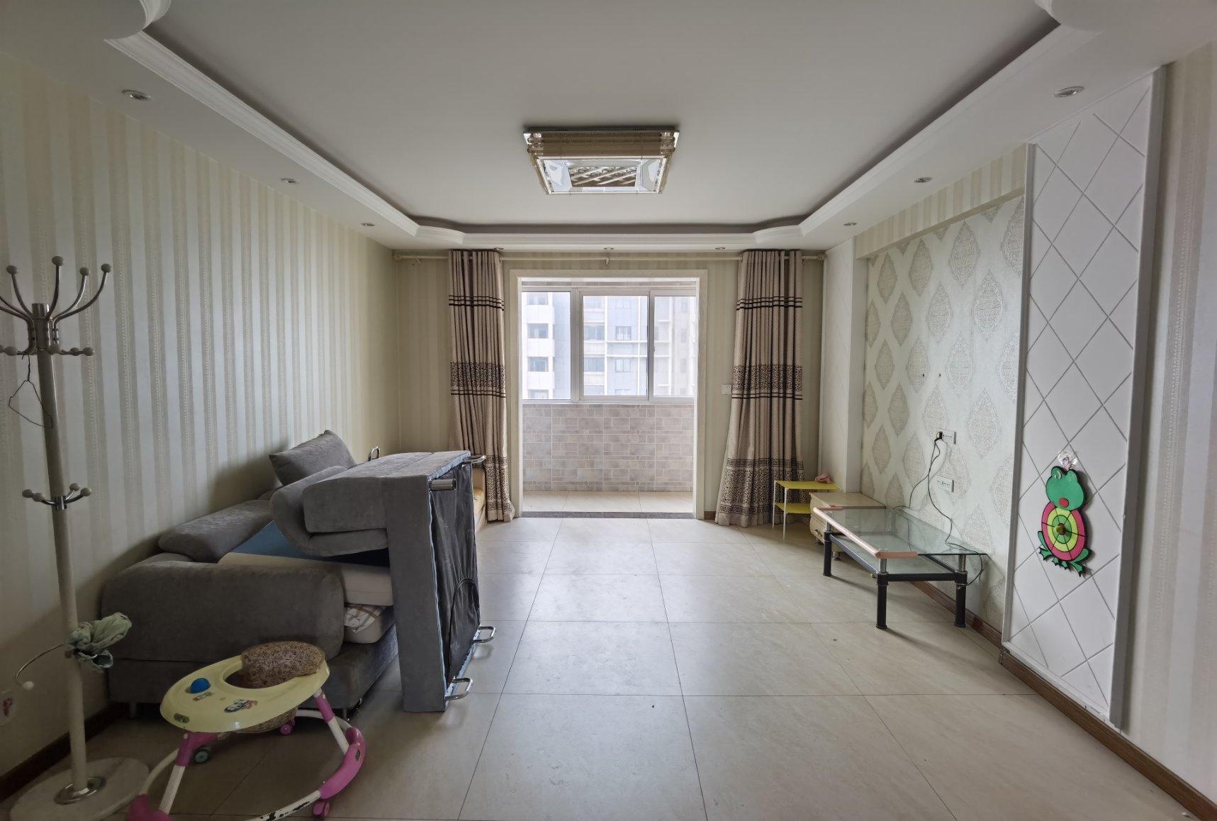 南区 隆基新谊城 精装3室 123平98万 南北通透 视野好