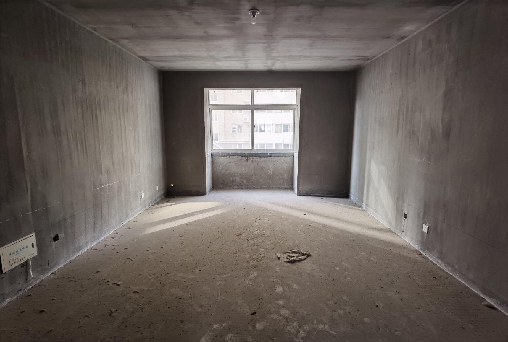 东郡府苑100万元125㎡3室2厅1卫2阳台毛坯南北