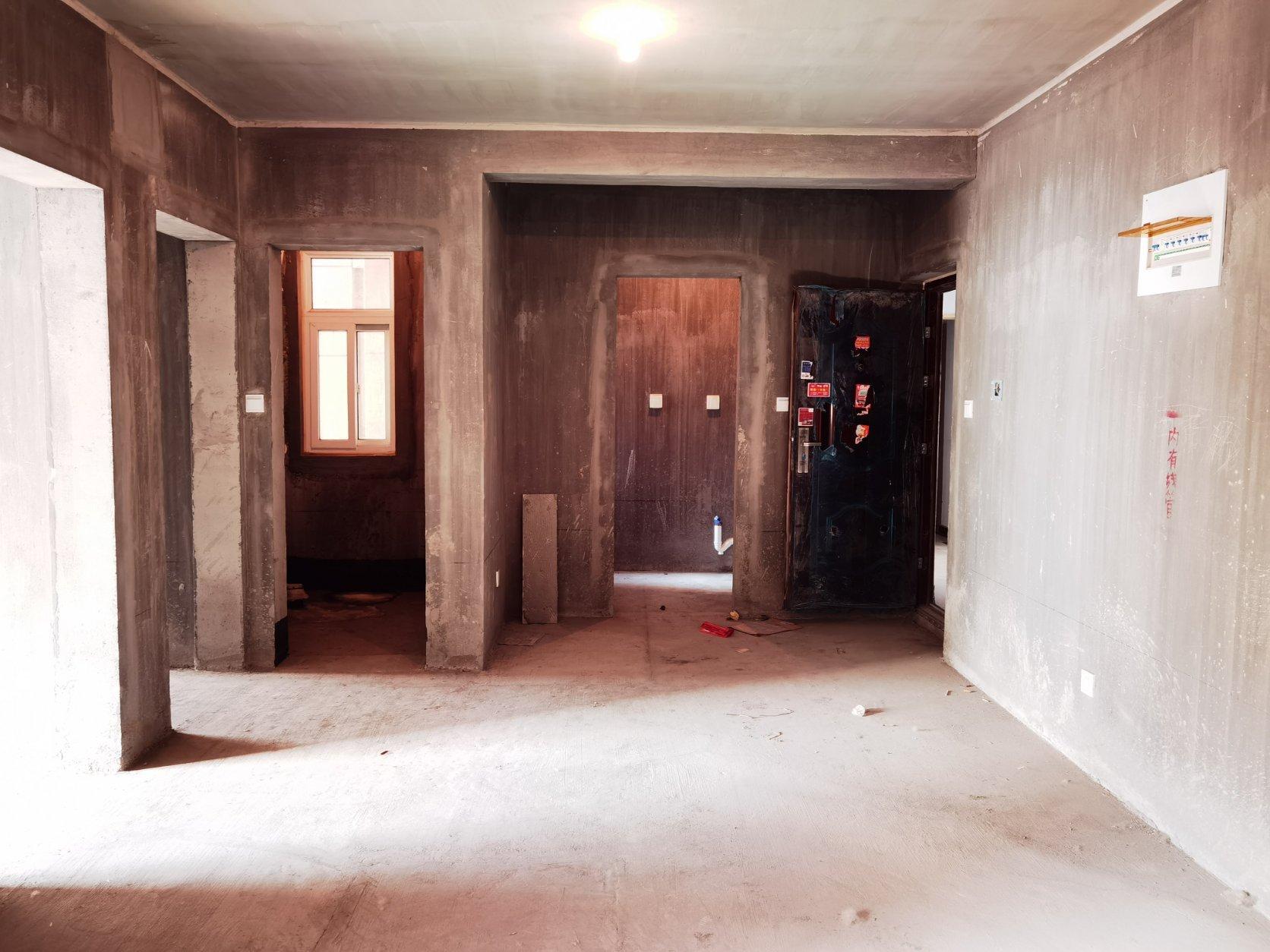 市政府 新科状元城 毛坯2室 83平64万 东南户型 可按揭