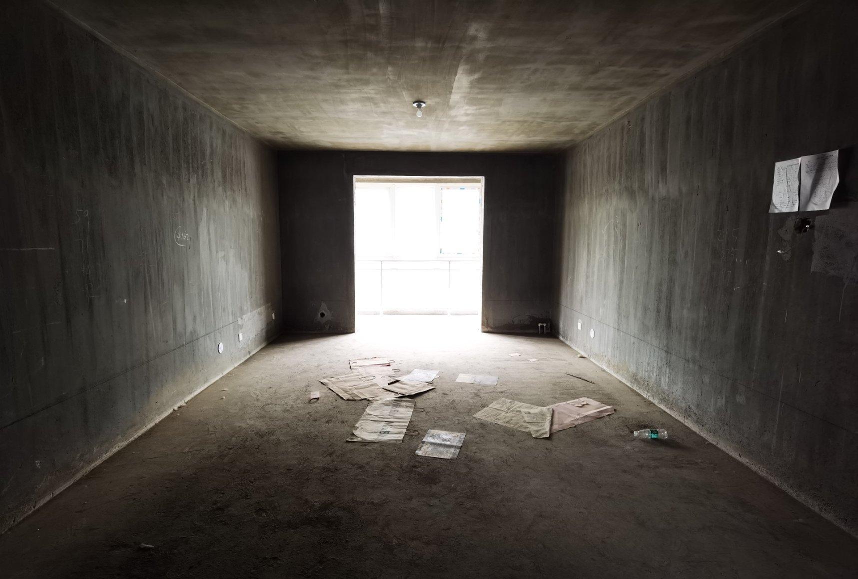 牧野花园 毛坯3室 143平100万 单价6千多 南北通透