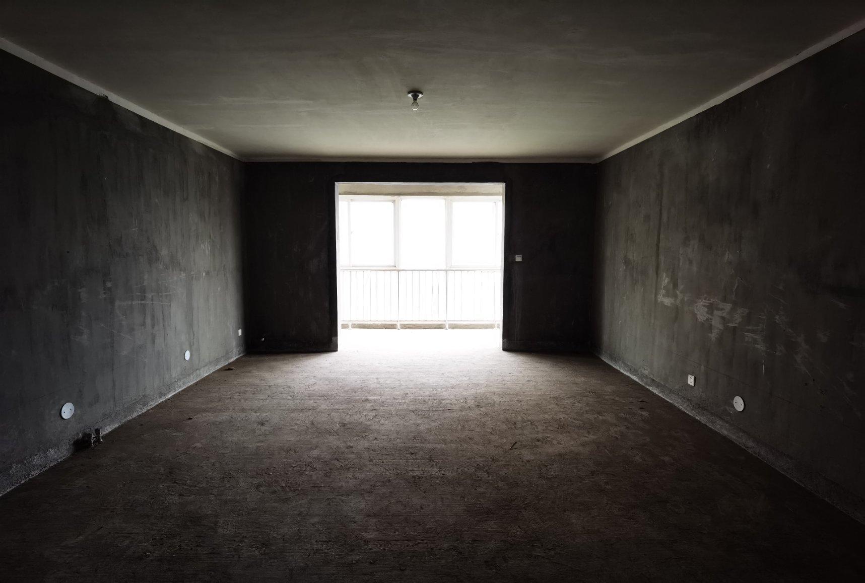 单价八千 改善型 东郡西苑 毛坯3室 174平140万 全明