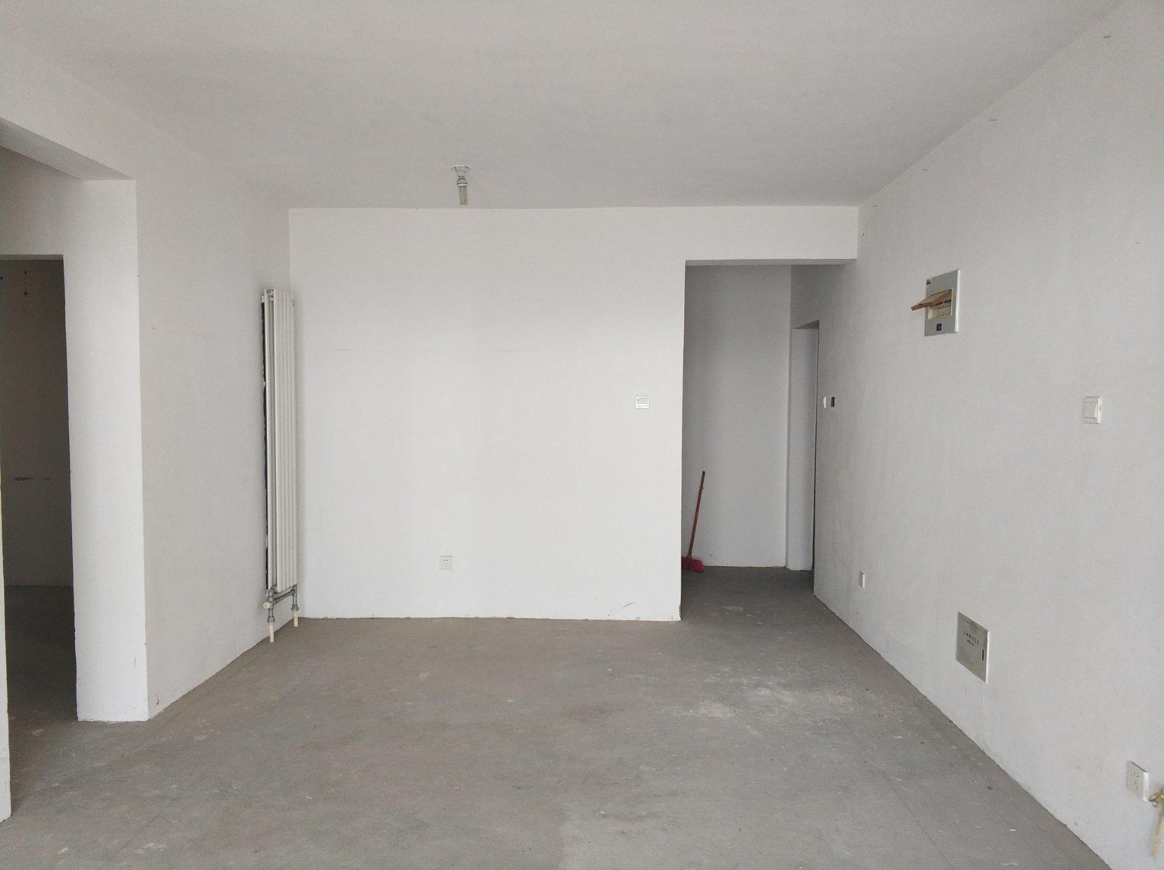 新一街中小学 绿都城 毛坯3室 108平87万 单价八千